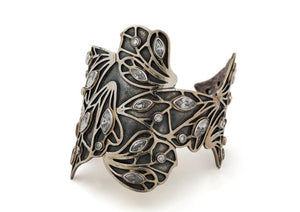 KUPU KUPU | BUTTERFLY FLOATING WINGS CUFF with Stones