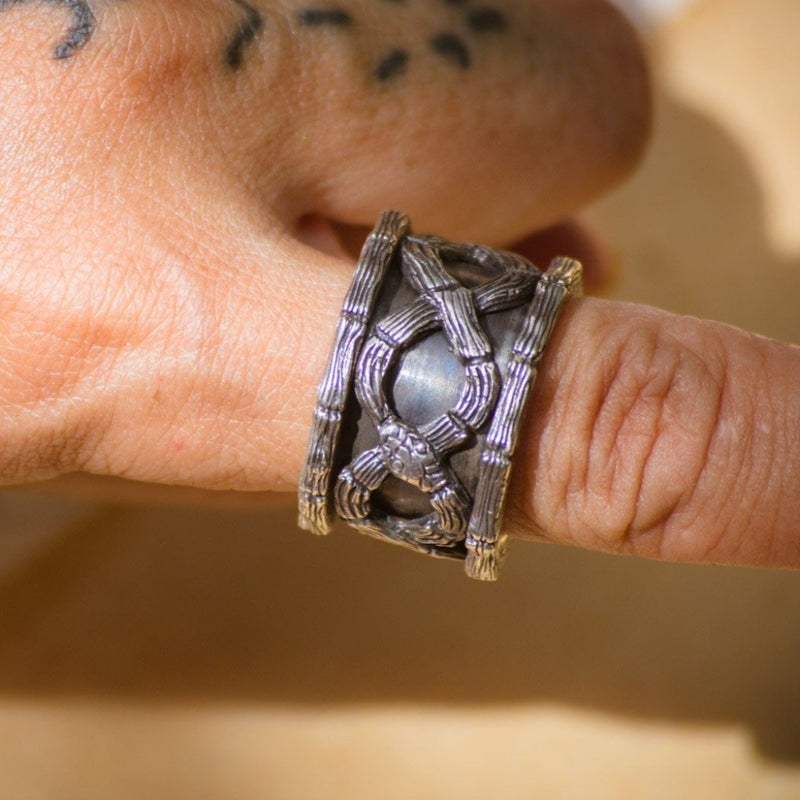 nagicia-jewelry-ouroboros-spin-ring-handcrafted-in-bali
