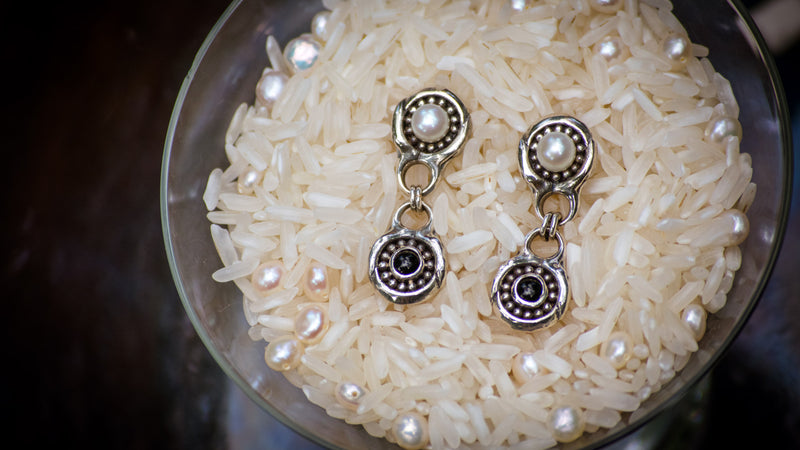 Pearl Earrings with Onyx Drops