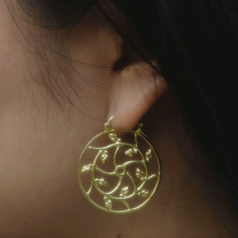 Lotus Hearts Spiral Earrings - nagicia