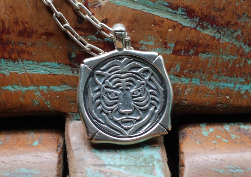 Tiger Pendant-nagicia-jewelry-handcrafted-in-bali