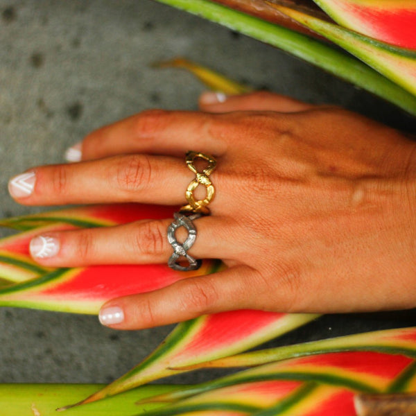 Figure 8-Snake Ring-nagicia-jewelry-handcrafted-in-bali