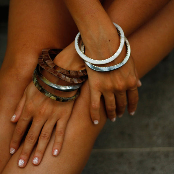 Mother-of-Pearl Bangles - nagicia