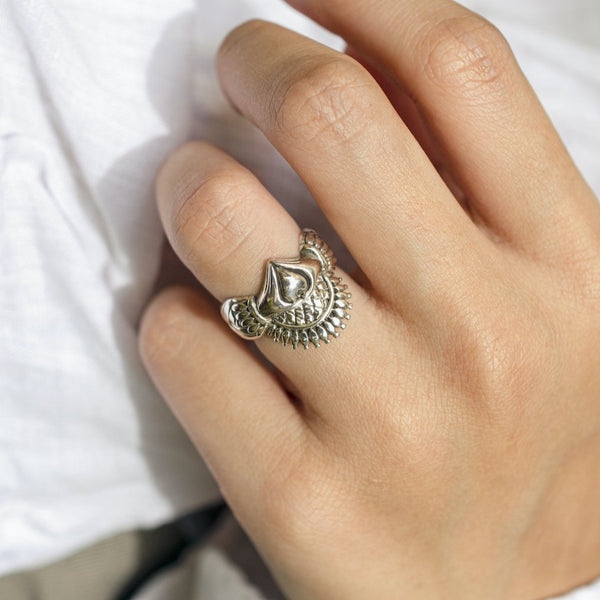 queen-crown-ring-silver