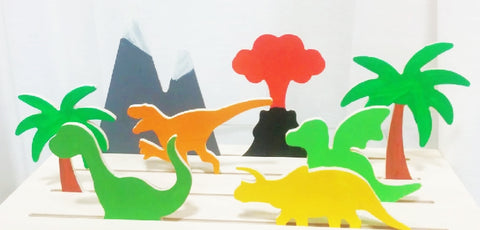 Pretend Playset-Dinasours - WoodsyWorld