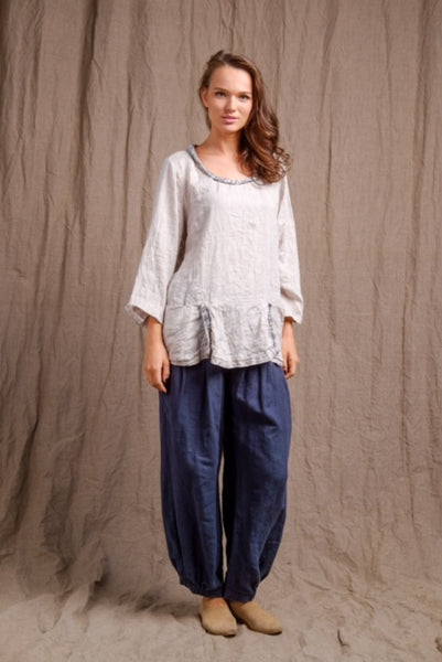 linen-long-sleeves-natural-pocket-top-navy-pants casual but classy outfit
