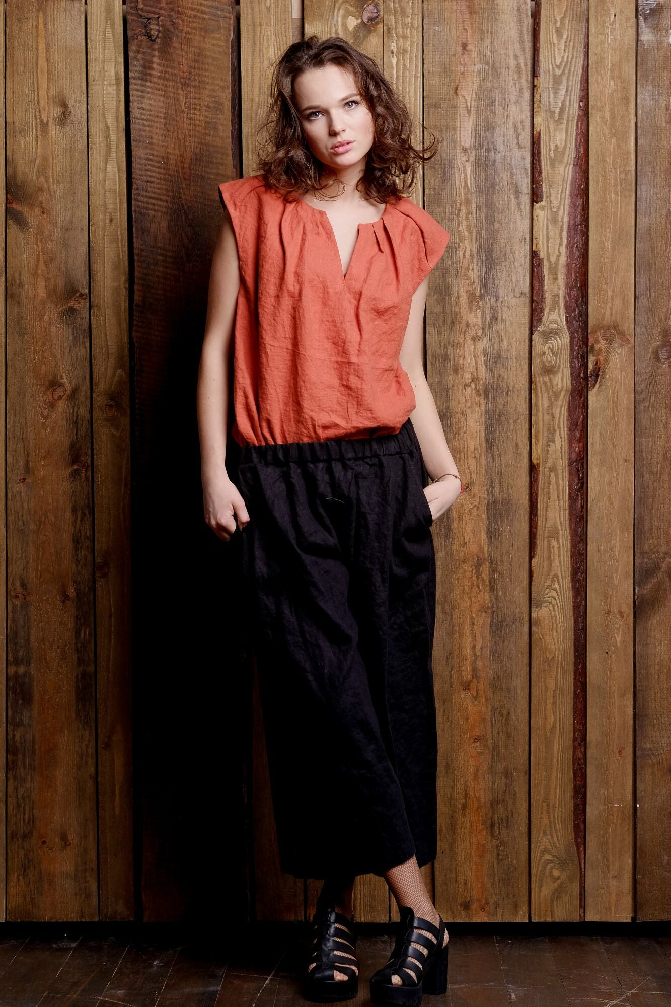 linen-red-sleeveless-top-black-pants-classy-clothing-elegant-flax