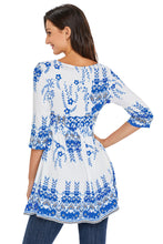 Blue Floral Print White 3/4 Sleeve Stretch Tunic Top
