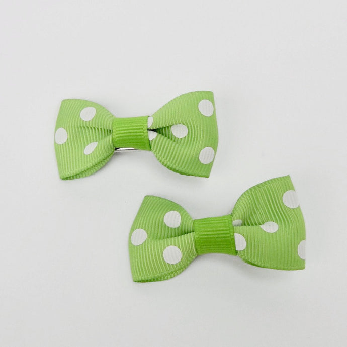 "Girls Set of 2 Small Cross Grain Ribbon Hair Bow Clips 1.75""- Green with Dots"