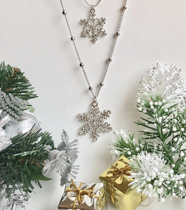 Double Snowflake Rhinestone Pendant and Chain Necklace Jewelry Gift in Silver