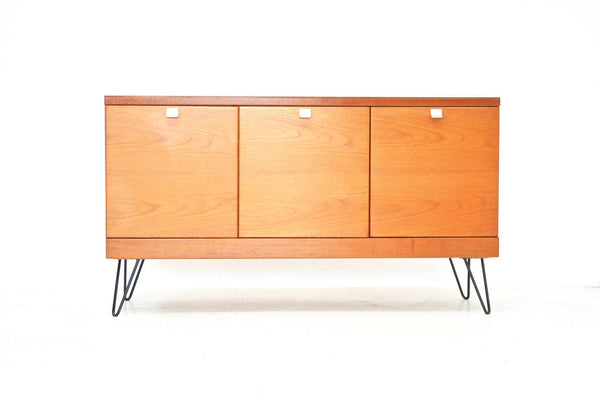 MID CENTURY CREDENZA BY WHITE & NEWTON OF LONDON