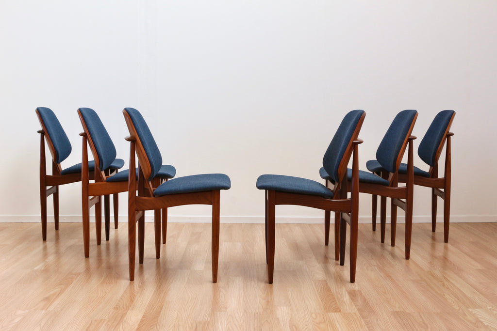 SET OF SIX MID CENTURY DINING CHAIRS BY ELLIOTS OF NEWBURY