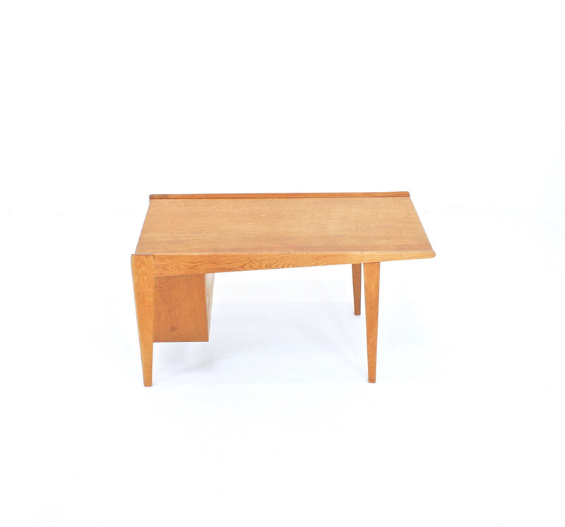 MID CENTURY SWEDISH MODERNSIT COFFEE TABLE IN LIGHT OAK