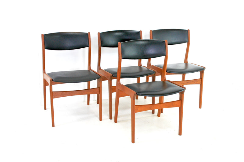 MID CENTURY SET OF 4 DANISH TEAK CHAIRS BY DYRLUND