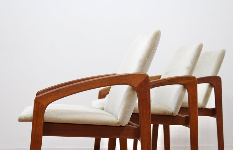 SET OF SIX DANISH MODERN DINING CHAIRS BY HENNING KJERNAULF FOR KORUP STOLEFABRIK