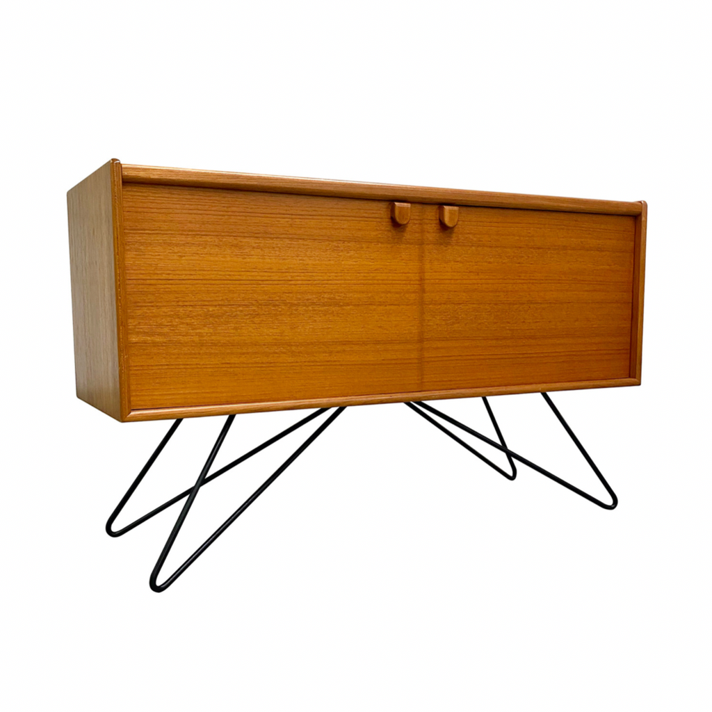 MID CENTURY VINYL RECORD CABINET BY TURNIDGE OF LONDON