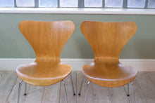 Vintage Danish Arne Jacobsen Stacking Dining Chair for Fritz Hansen Series 7