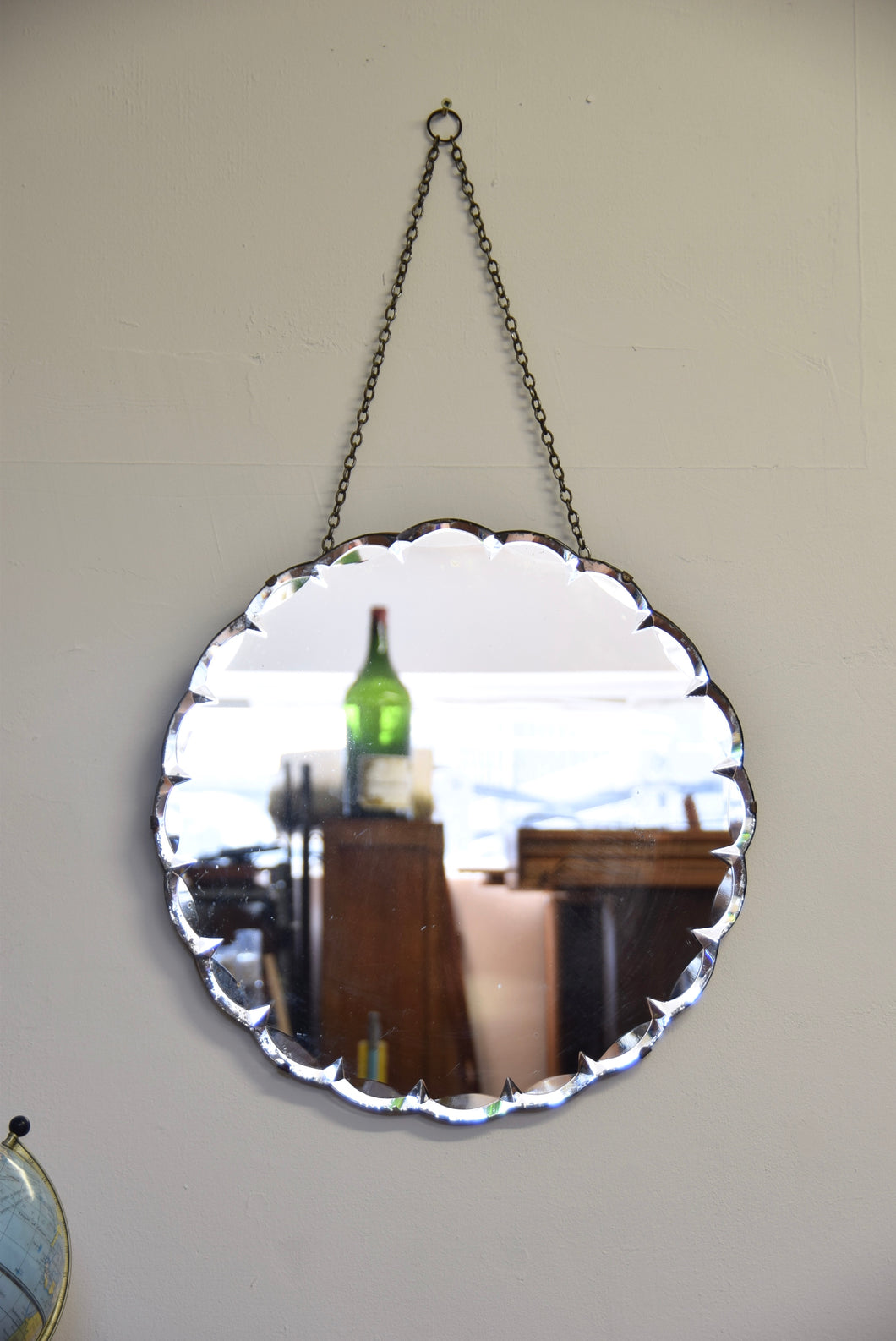Circular Shaped Mirror Bevelled Edged With Chain