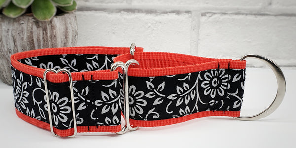 "Black & White Flowers 2"" Wide Collars"