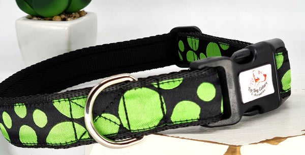 Green Spots on Black Dog Collars & Leads