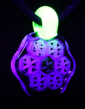 Dreamlab Honeycomb Pendant with UV Bail