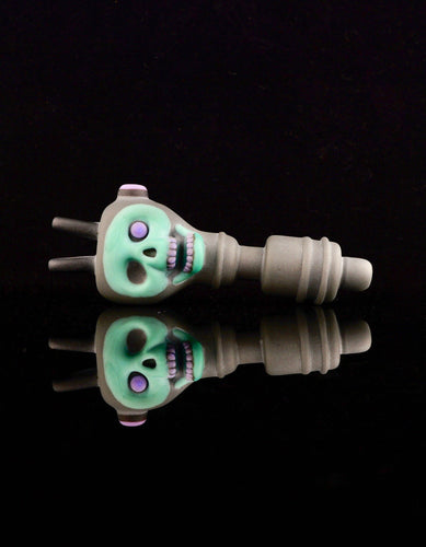 Aquarius Plug Chappy Skull Spoon Pipe