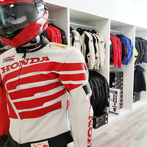 Alpha Team Racing is the Top Motorcycle Gear Rental Service in Toronto for M1 M2 Exit Training Courses.  We rent Helmets, Gloves, Jackets and Boots for only $99. Langham Square, Unit#2703,  8339 Kennedy Road,  Unionville, ON L3R 1J5  Canada  416.802.1282