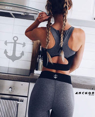 Girl_back_anchorfit_logo