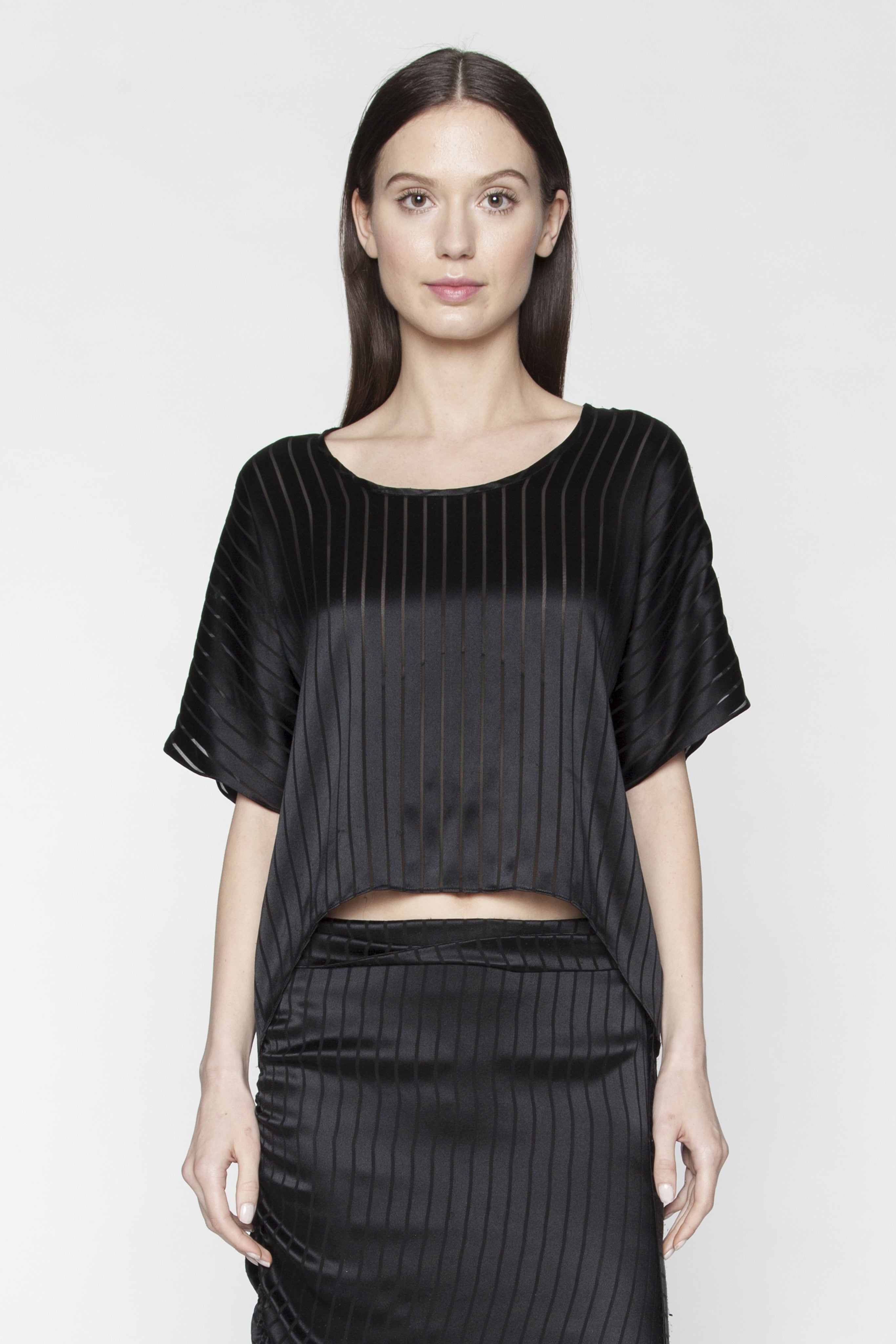 Black Blinds Ann Top