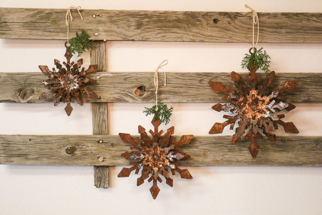 Rusty Metal Snowflakes Wall Decor | At the Farmhouse