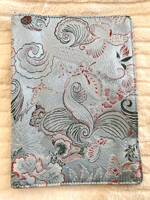 A5 Vibrant Dove Grey Garden Cover