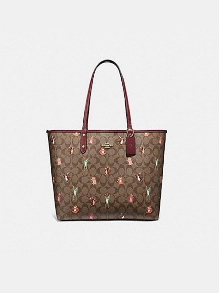 Coach F80246 Reversible Tote In Sig Canvas With Animals Print Khaki Pink Wine