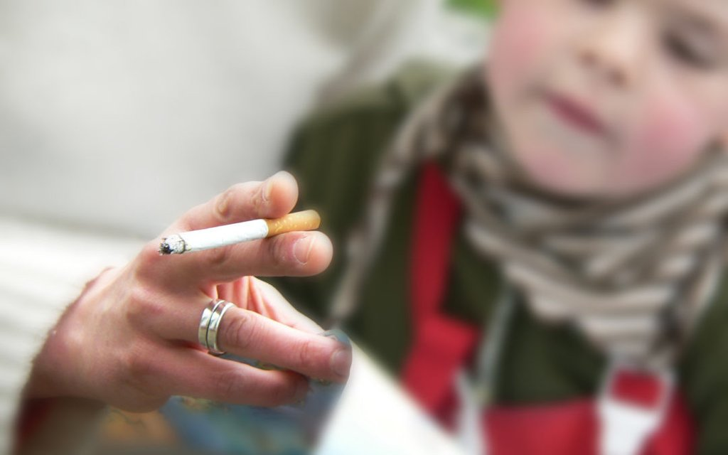 4 Gut-wrenching Facts About Secondhand Smoke And Children