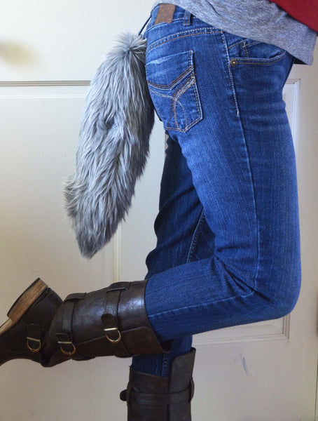Gray Wolf Tail with Clasp - Morphe