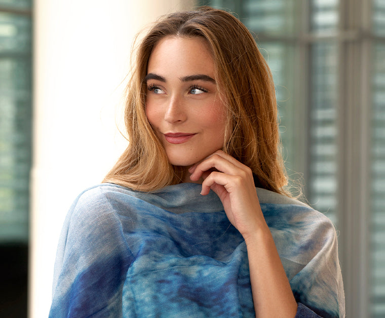 Lighweight cashmere shawl