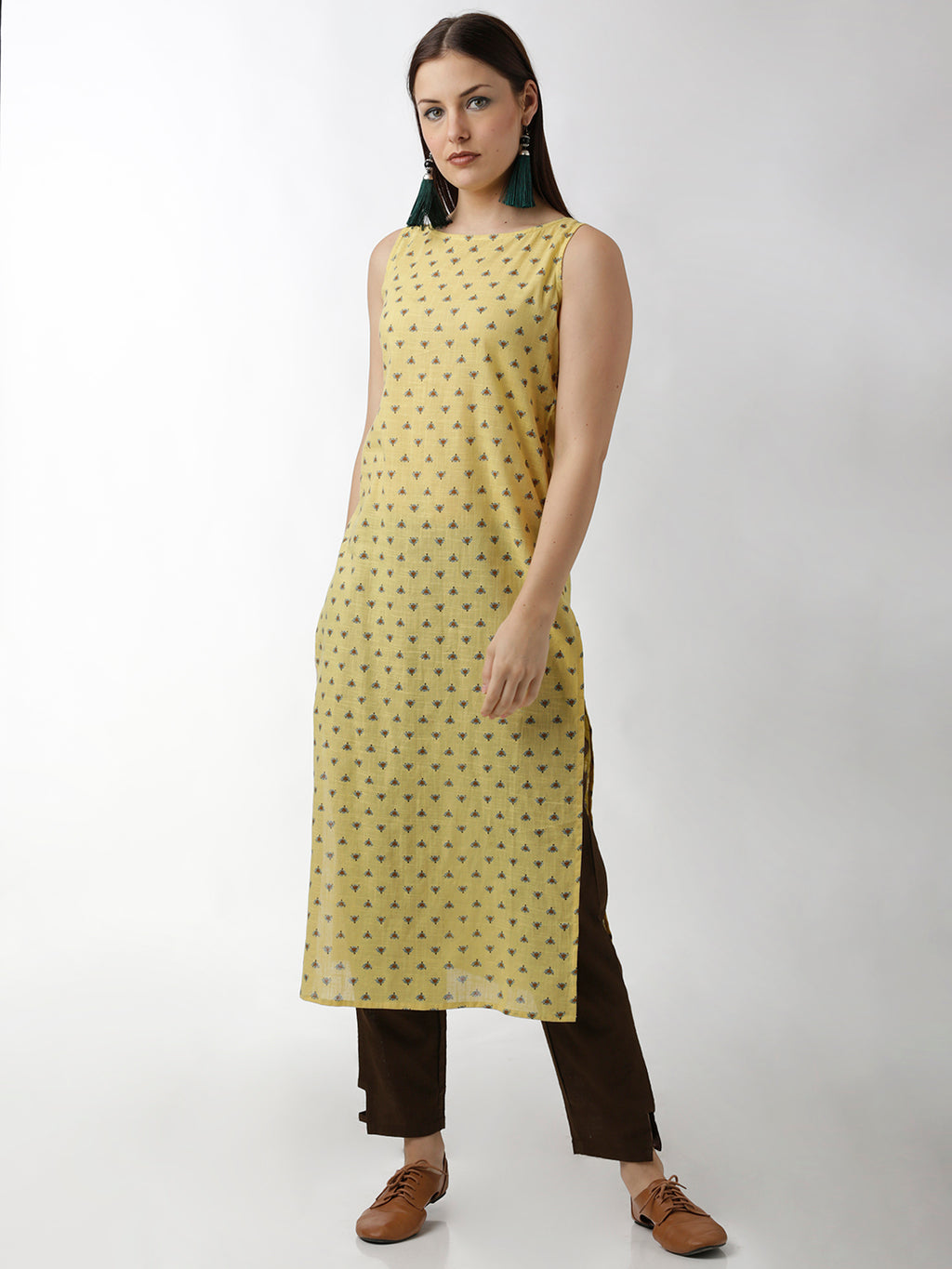 Breya Boat Neck Simple Sleeveless Printed Straight Kurta