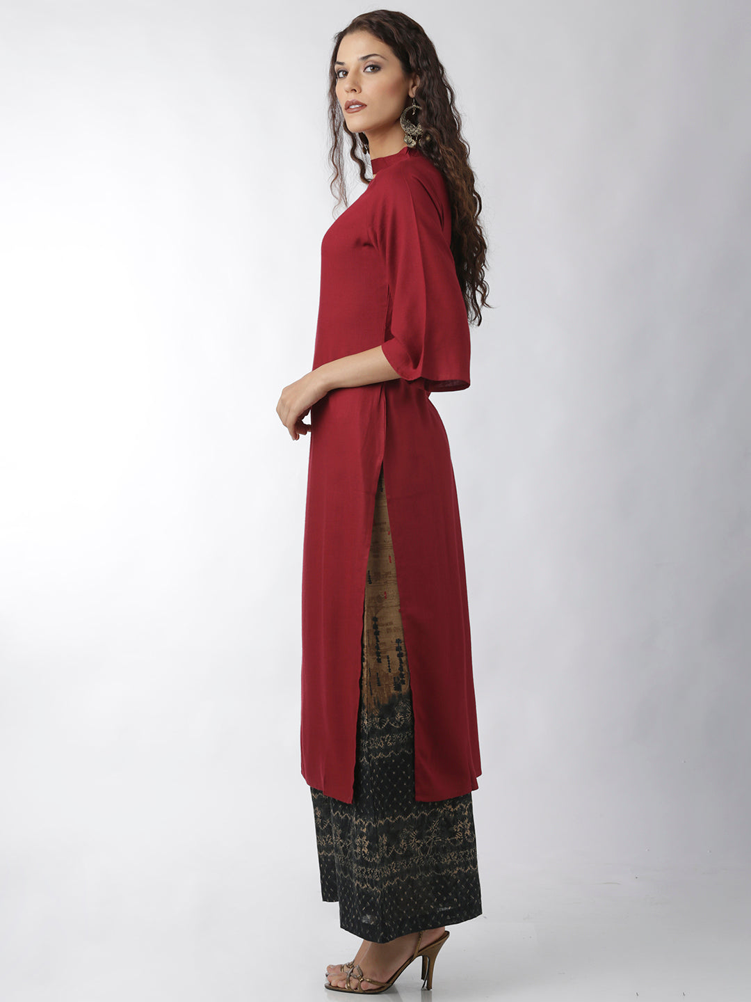 Breya Statement Neck Solid Maroon Straight Kurta
