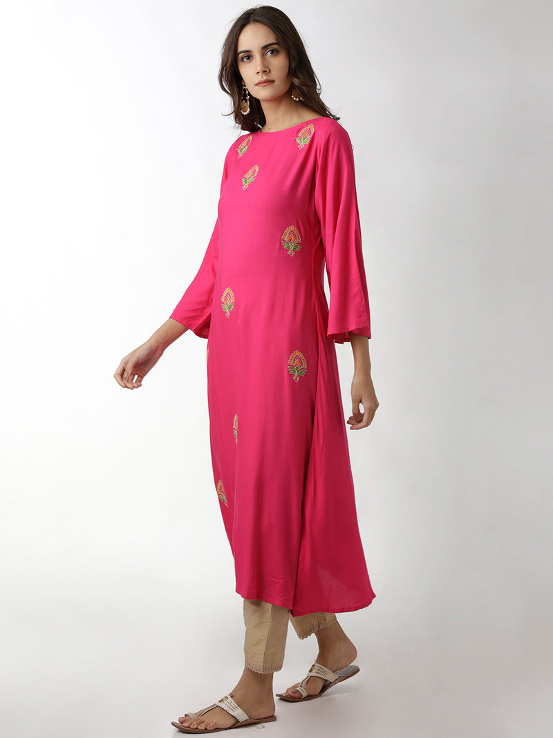 Boat Neck Embroidered Magenta Kurta