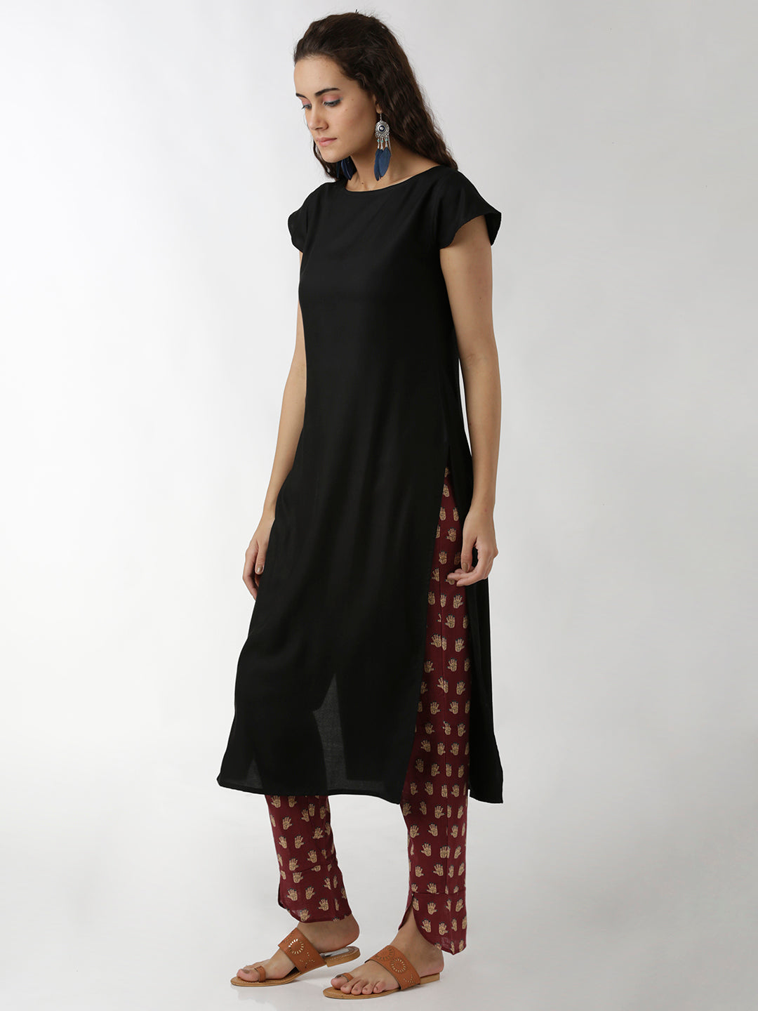 Breya Solid Black Cap Sleeve Straight Kurta