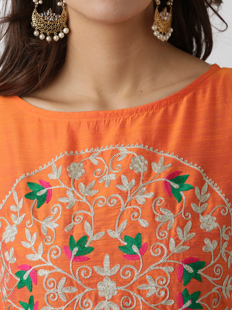 Boat Neck Embroidered Straight Kurta
