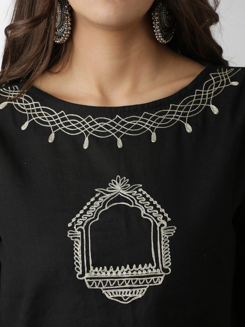 Embroidered Black Solid Cropped Top