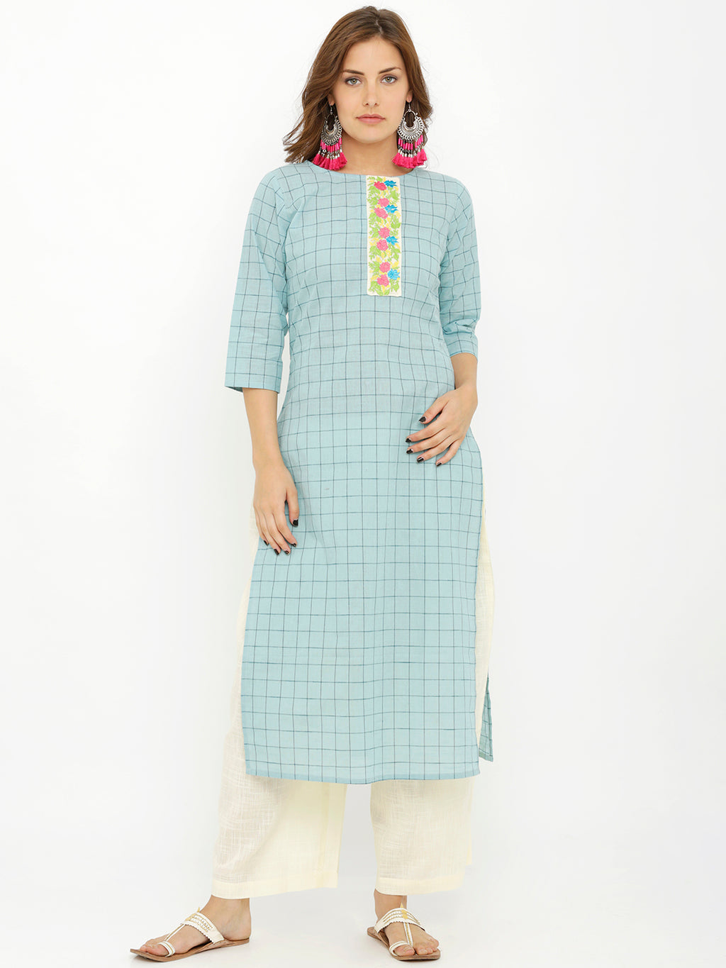 Breya Embroidered Patch Over Lapping Round Neck Kurta