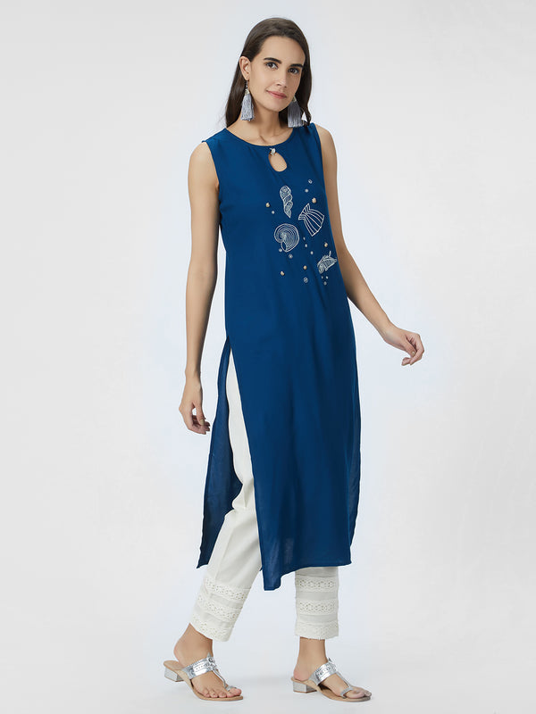 Embroidered Blue Sleeveless Straight Kurta
