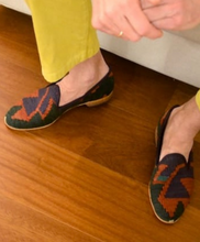 Load image into Gallery viewer, Men's Kilim Slippers size 45 (US size 12)