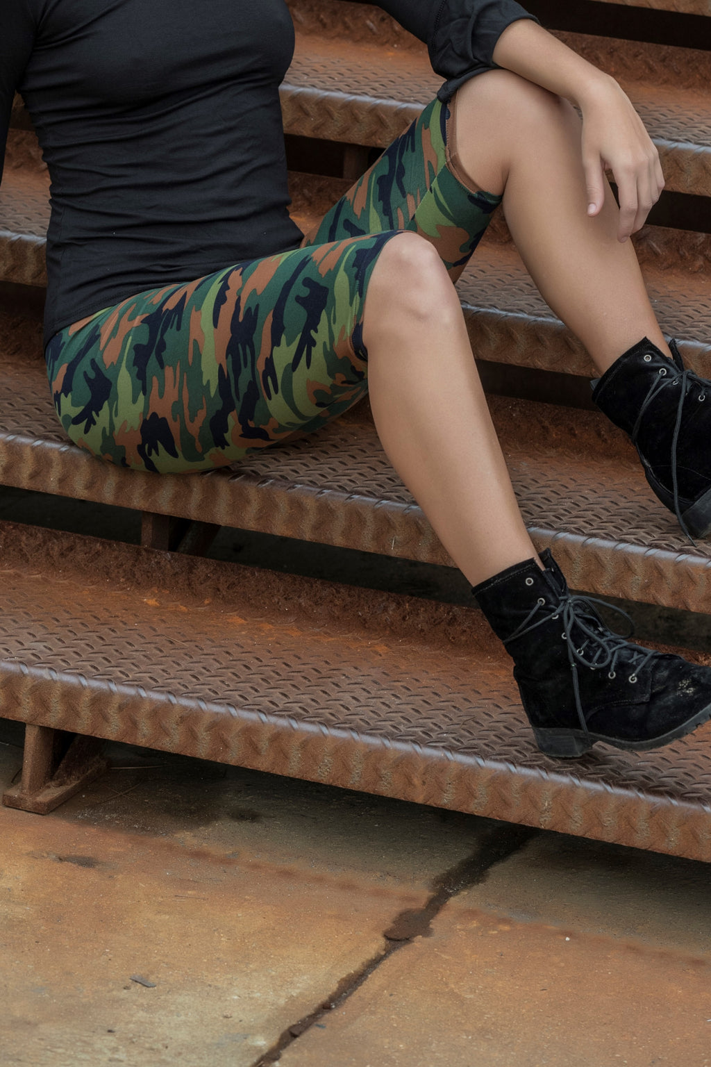 Green Camo Print Graphic Capris Leggings