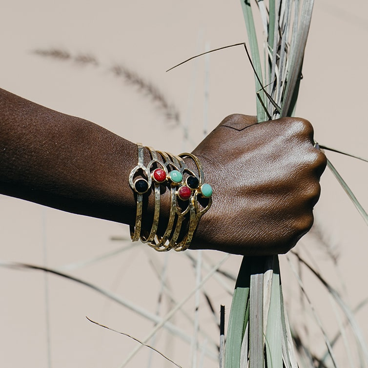 South African based jewellery and bangle design working with natural gemstones & diamonds in precious metals