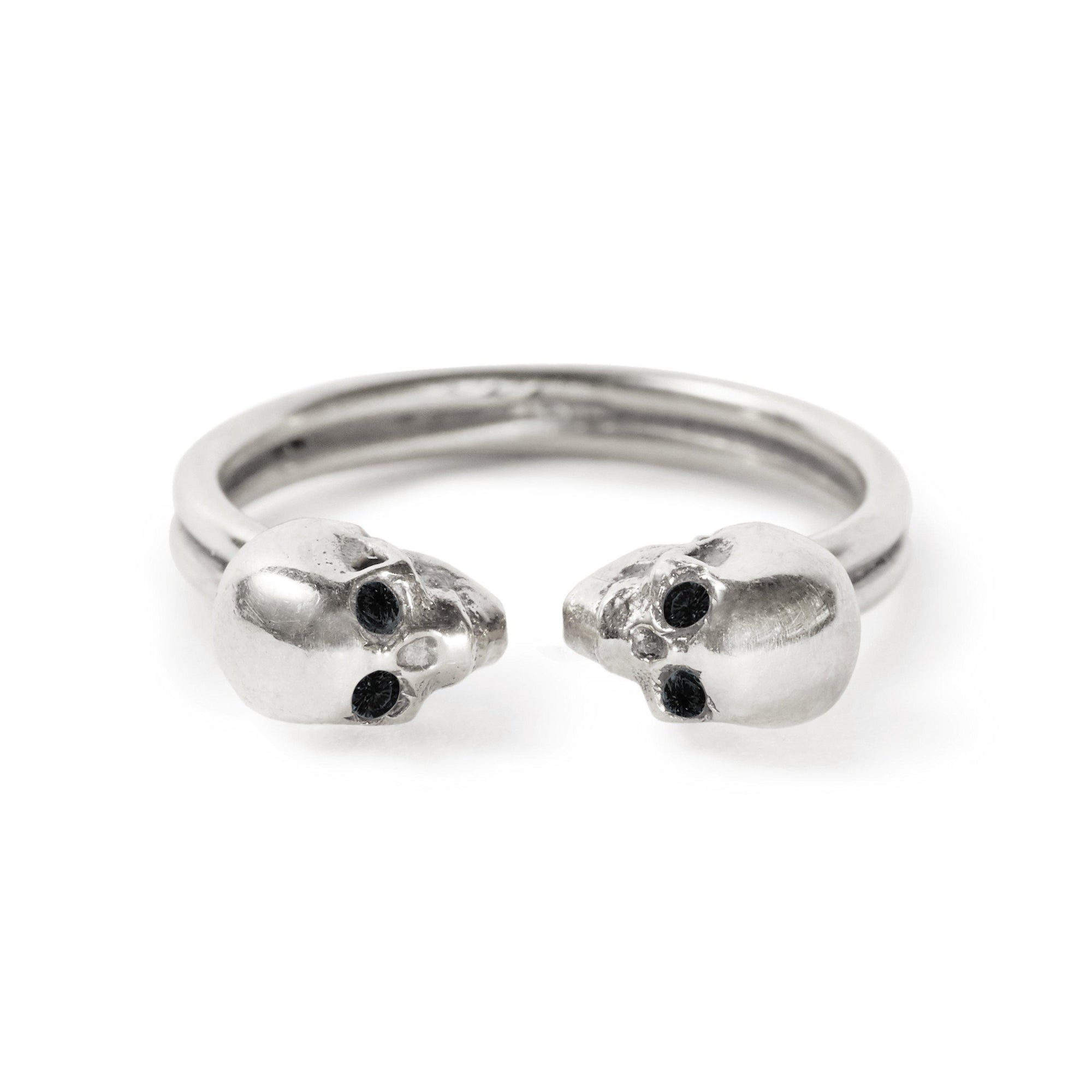 The Silver Kissing Skull Ring With Diamond Eyes