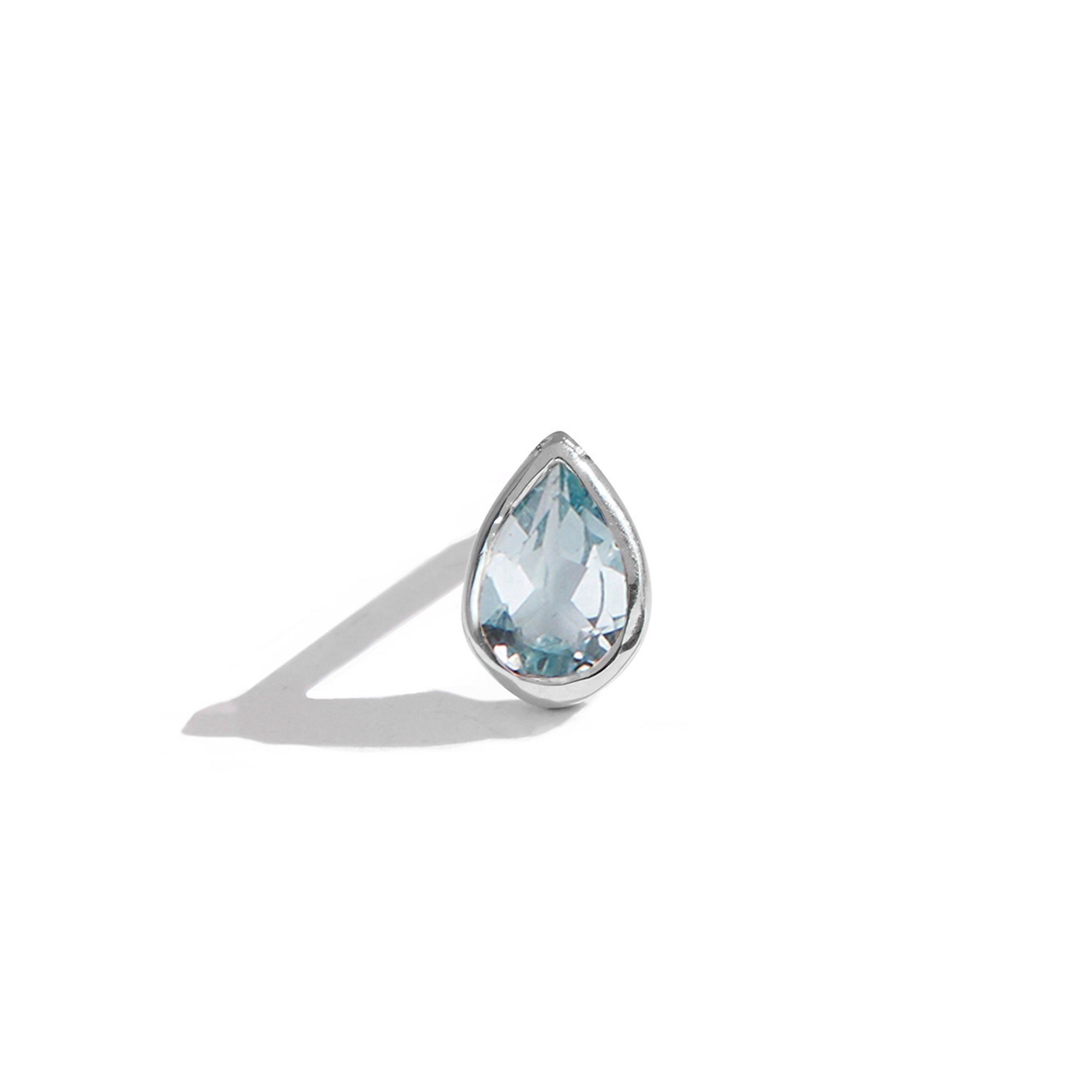 The 6x4 Pear Cut Stone Stud in Silver