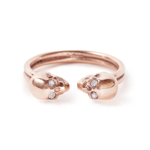 The Rose Gold Kissing Skull Ring With Diamond Eyes