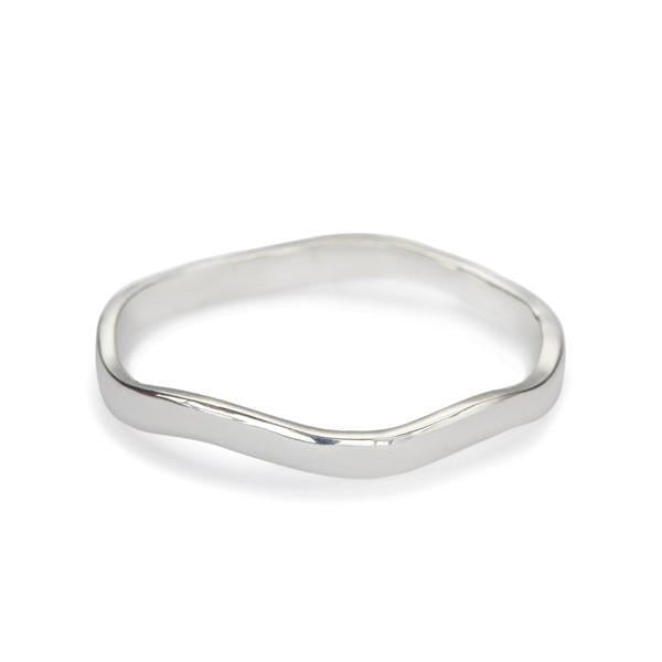 The Waved Band in Silver-Ring-Black Betty Design